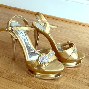 Gold silver rhinestone sz 8 platform heels